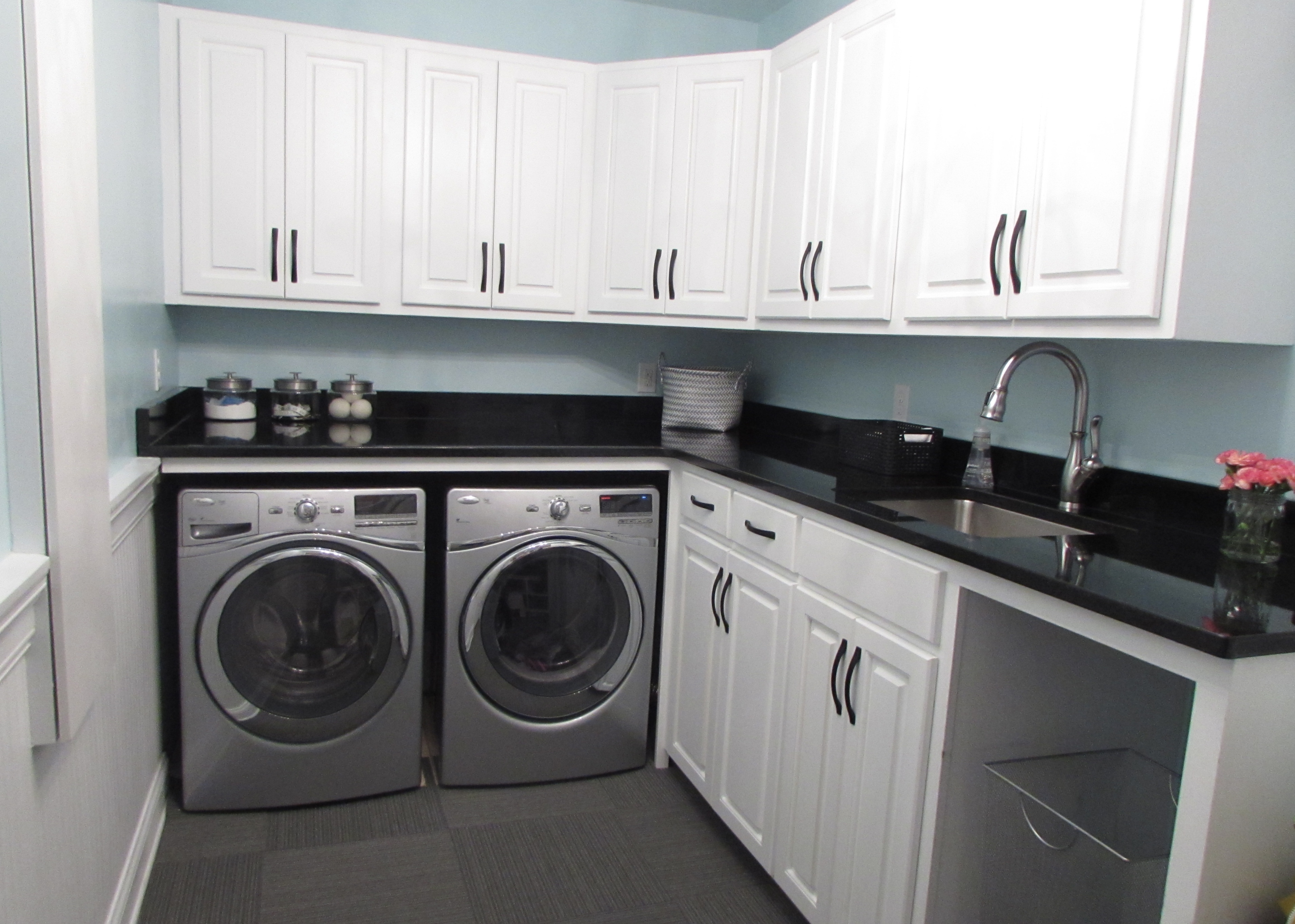 A Stylish and Functional Laundry Room